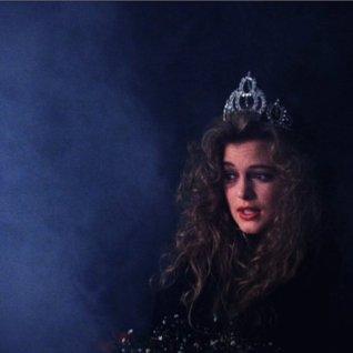 Annie: Miss Twin Peaks